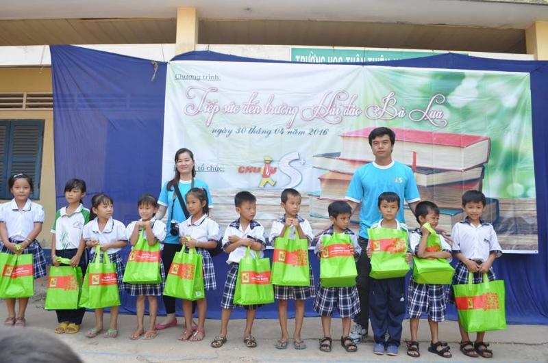 """Chương trình """"Tiếp Sức Đến Trường"""" lần 2 tại Quần đảo Bà Lụa"""